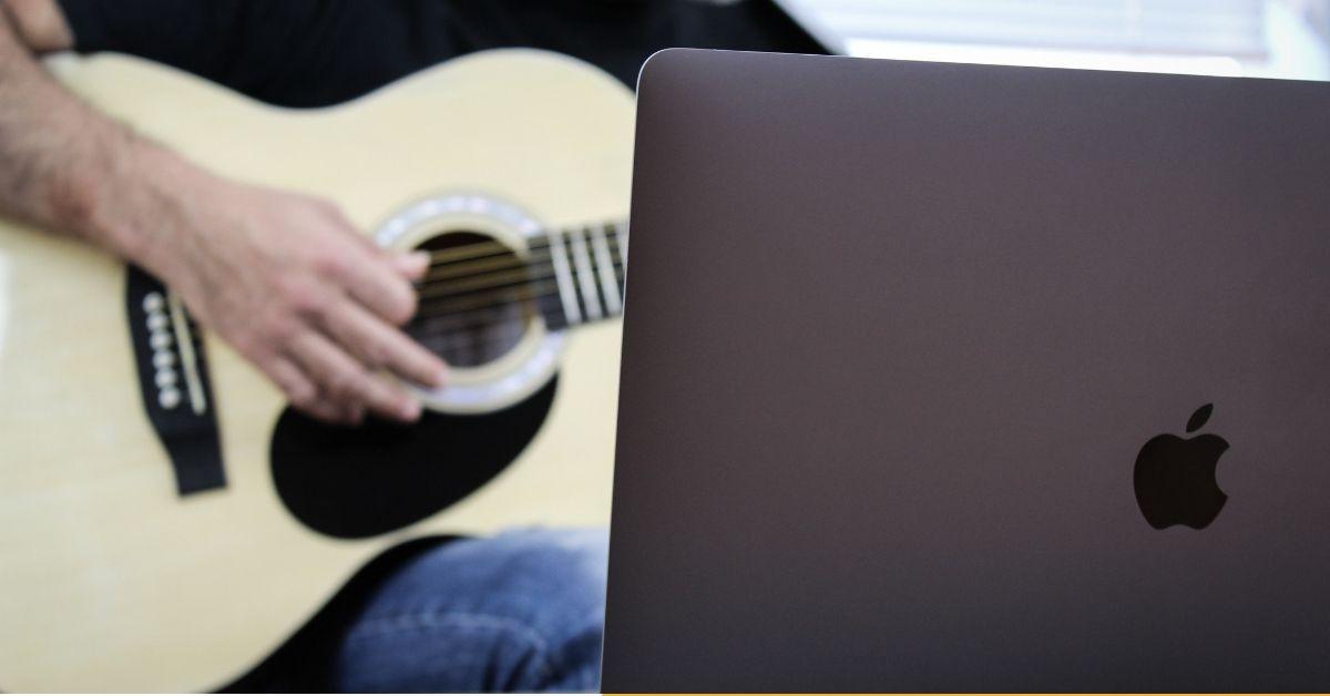 Estudiar en una escuela online de guitarra, ¿está hecho para mí?